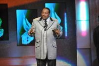 Marvin Sapp accepting one of his several Stellar Awards
