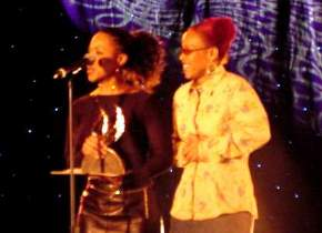 Mary Mary accepting one of their Stellar Awards
