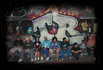 The entire Tunnel Rats crew
